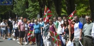 basque human chain
