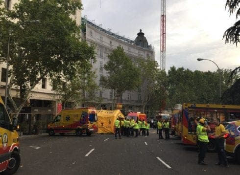 One dead and 11 injured after scaffolding collapses at Ritz Hotel in Spain