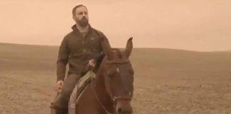 vox on horse