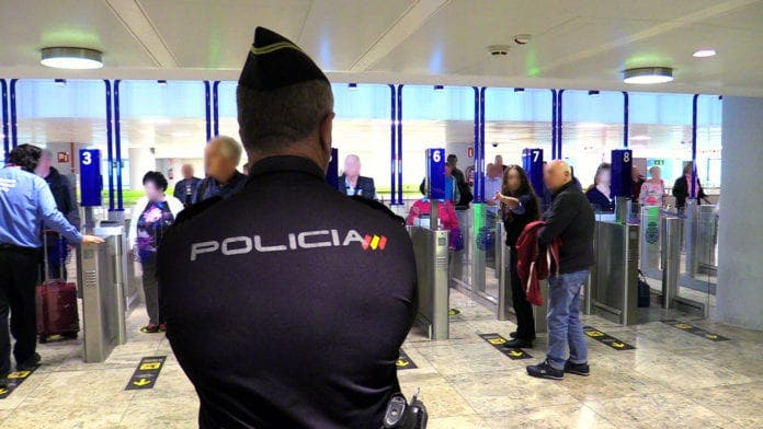 Spain vows no more problems for British expats returning to Spain after many refused boarding or shipped back to UK after landing – Olive Press News Spain