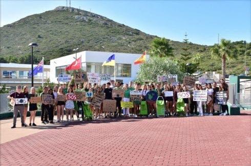 Les School Strike 2