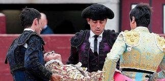Matador Boyfriend Of The King Of Spain S Niece Has Groin Savagely Pierced By Bull In Spain V1