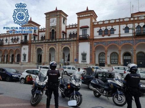 Man arrested after causing panic with fake bomb threat on train in Spain's Andalucia