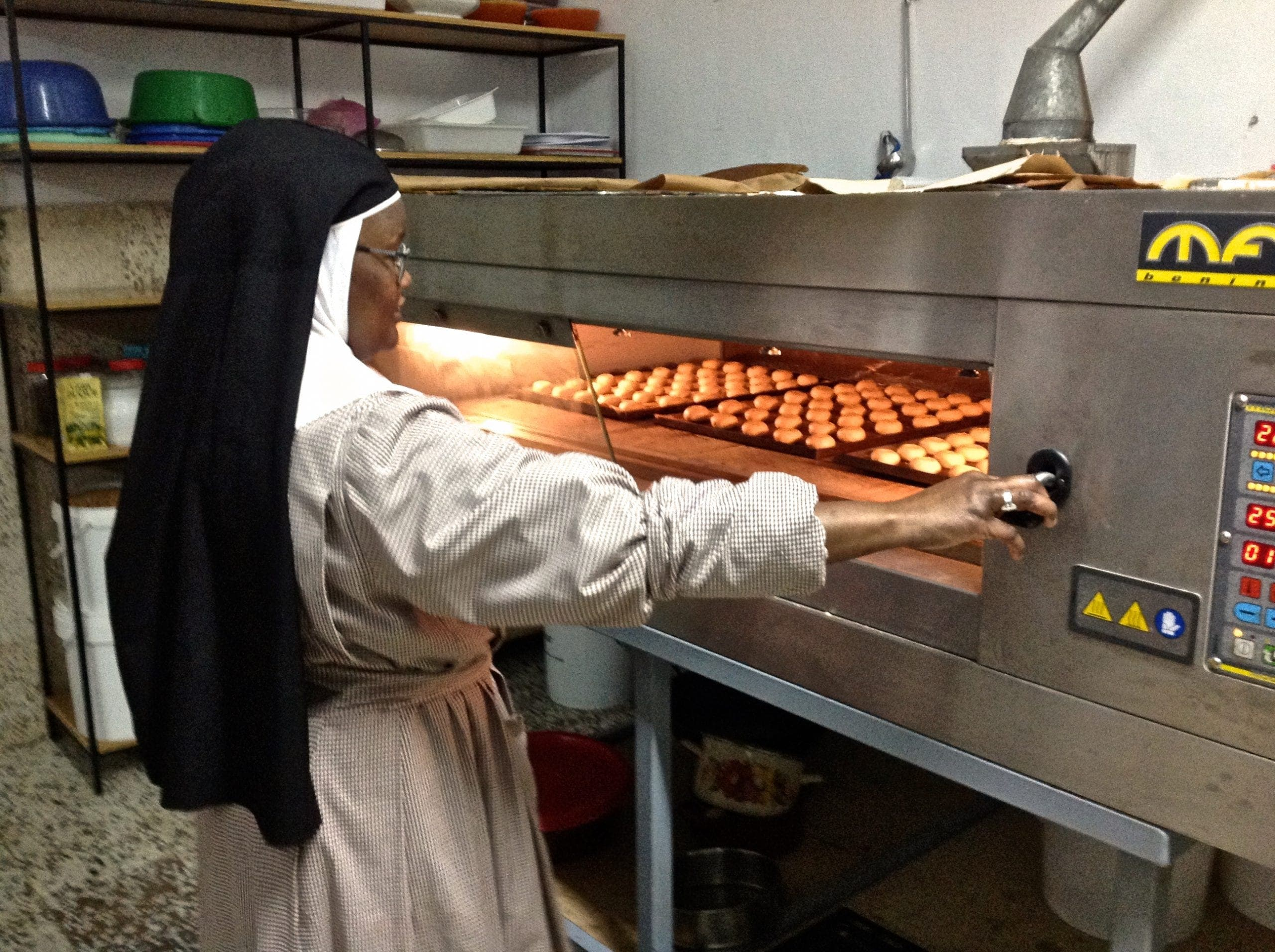 Sor Isabel By Theoven Photo Karethe Linaae