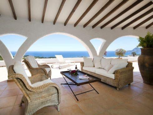 Luxury Villa Rentals And Sales