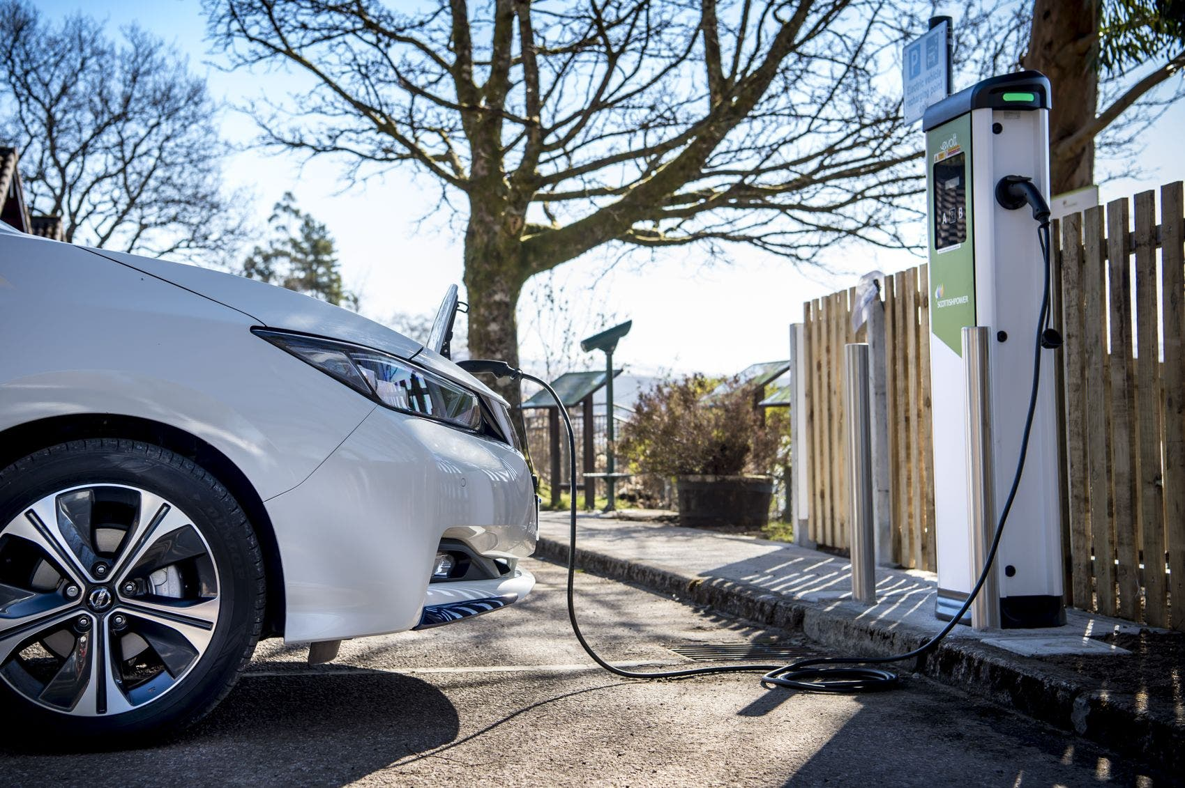 Nissan Leaf Charging Web