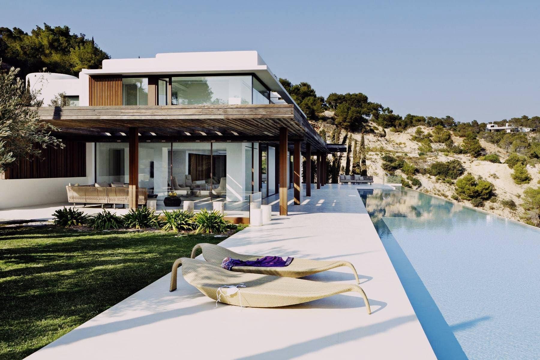 Meghan Ibiza