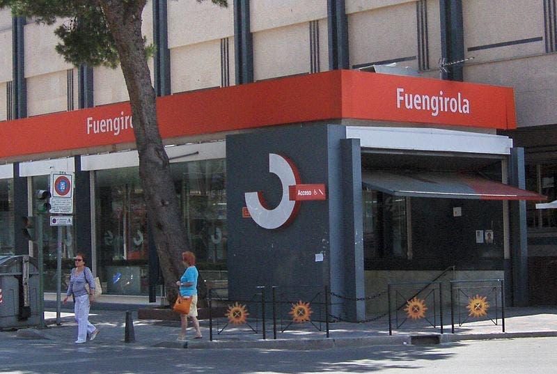 800px Estaci N_de_fuengirola 1