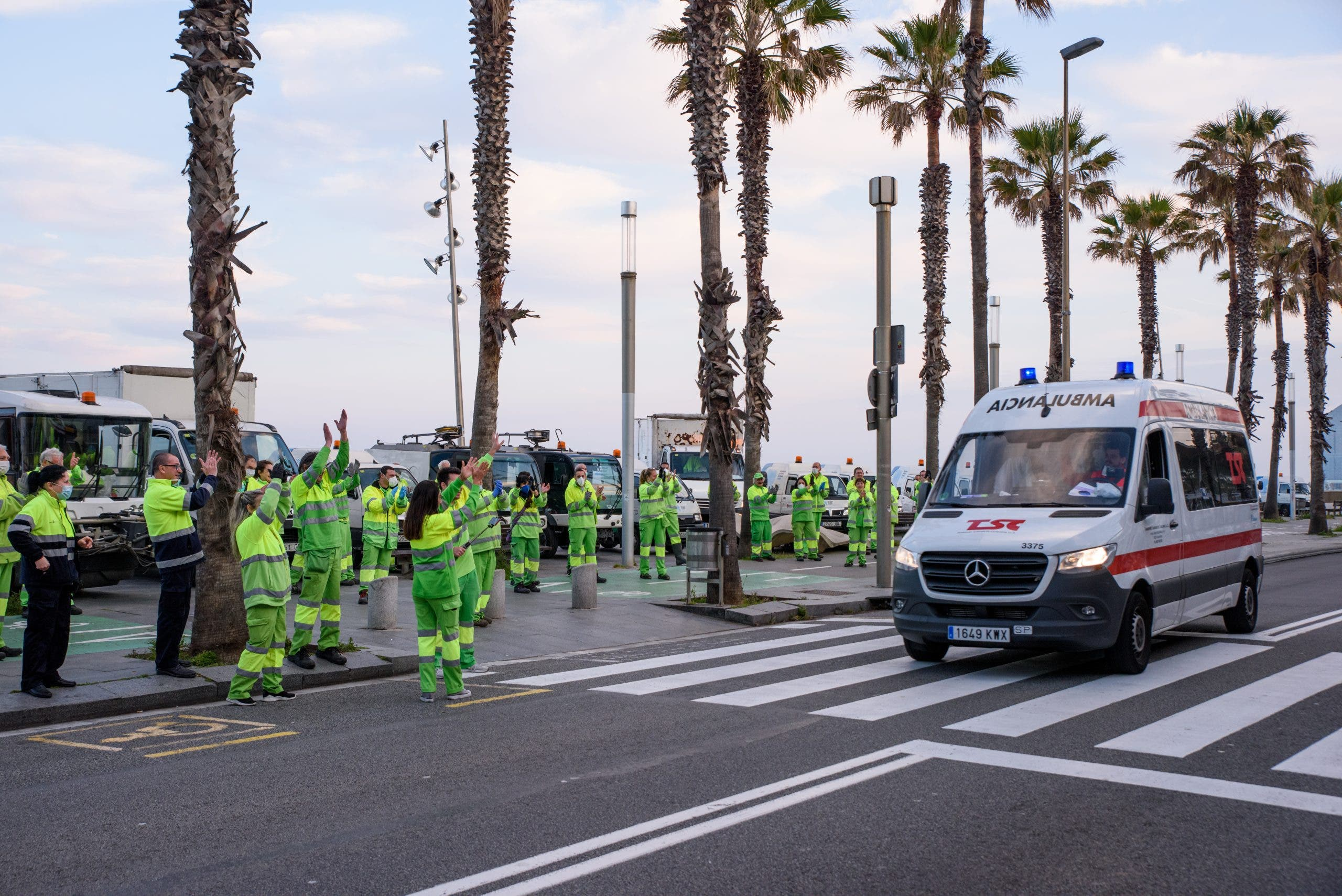 Barcelona Street Cleaners Gather To Applaud Outside Hospital Del Mar 10