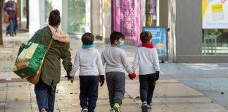 Priorizar A Los Menores Llegado El Momento De Flexibilizar El Confinamiento