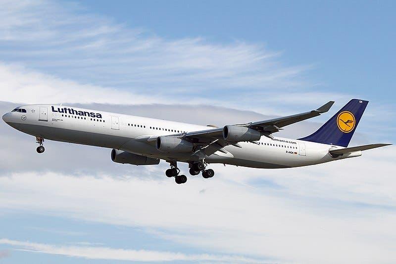 800px Airbus_a340 311_lufthansa_an1936774