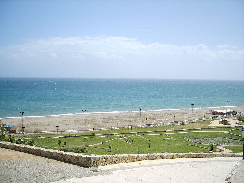 800px Fuengirola_beach