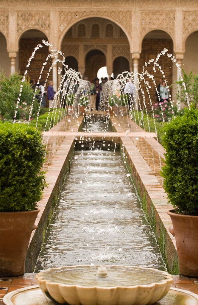Alhambra_generalife_fountains Wiki Media Commons