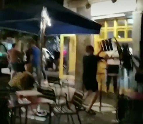 0_barcelona Restaurant Fight