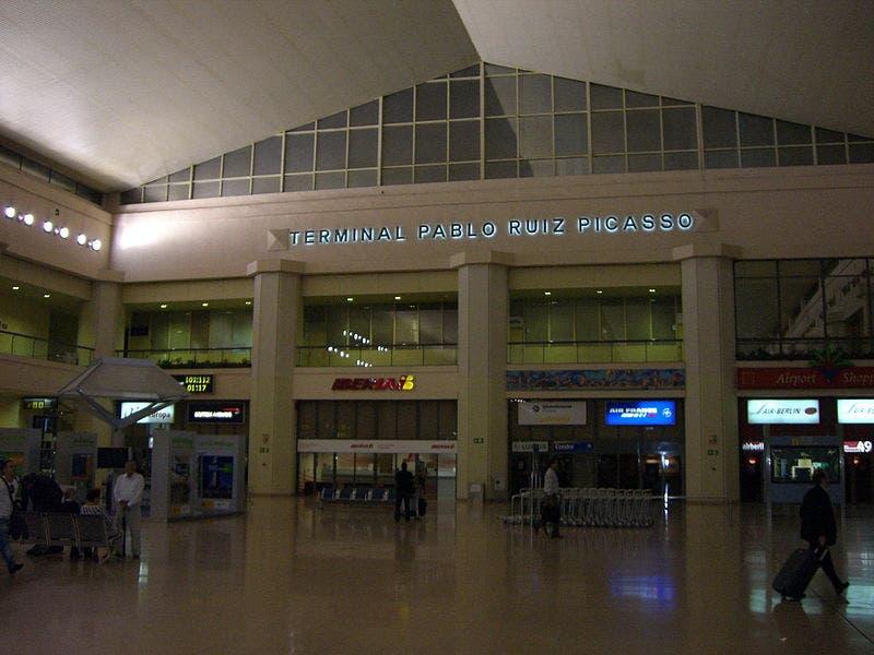 800px Flughafen_malaga