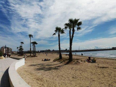 Los Naufragos Beach