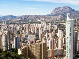 British Visitors To Costa Blanca Holiday Hotspots