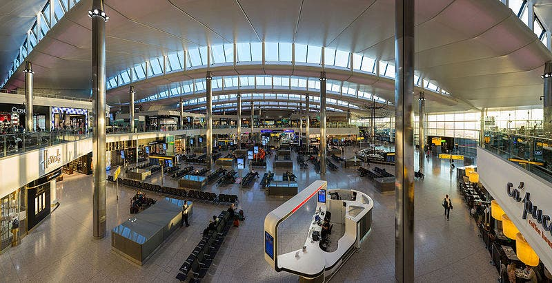 Heathrow_airport_terminal_2_london_england_ _diliff
