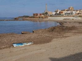 Teenagers Attack Police As Agents Break Up Illegal Early Morning Beach Party In Spain S Murcia Region