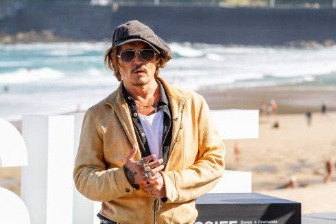 Paso De Johnny Depp Por El Ssiff Para Presentar Su Pelicula Crock Of Gold A Few Rounds With Shane Macgowan