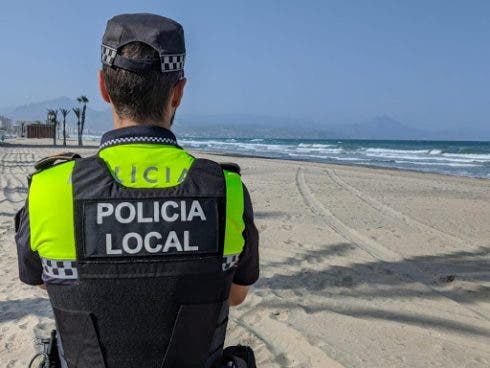 Police Stop Beach Baptism Celebration That Flouted Covid 19 Rules On Spain S Costa Blanca
