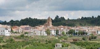 Village School Tries To Stay Open In Spain S Valencian Community With Families Offered A Free Home And A Job In Order To Move There