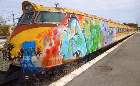 Train Graffiti Renfe Wikimedia