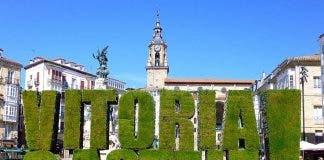 Vitoria_ _plaza_de_la_virgen_blanca _logo_vitoria_gasteiz_