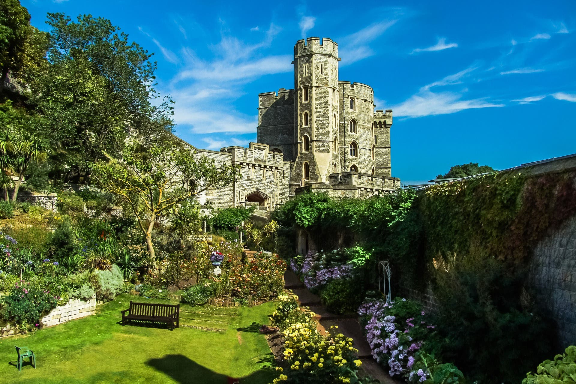 Windsor Castle, in England, an example of such a construction.