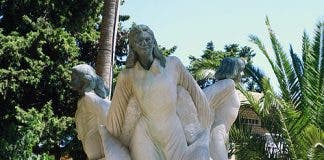 A statue to the three girls at Alcasser cemetery