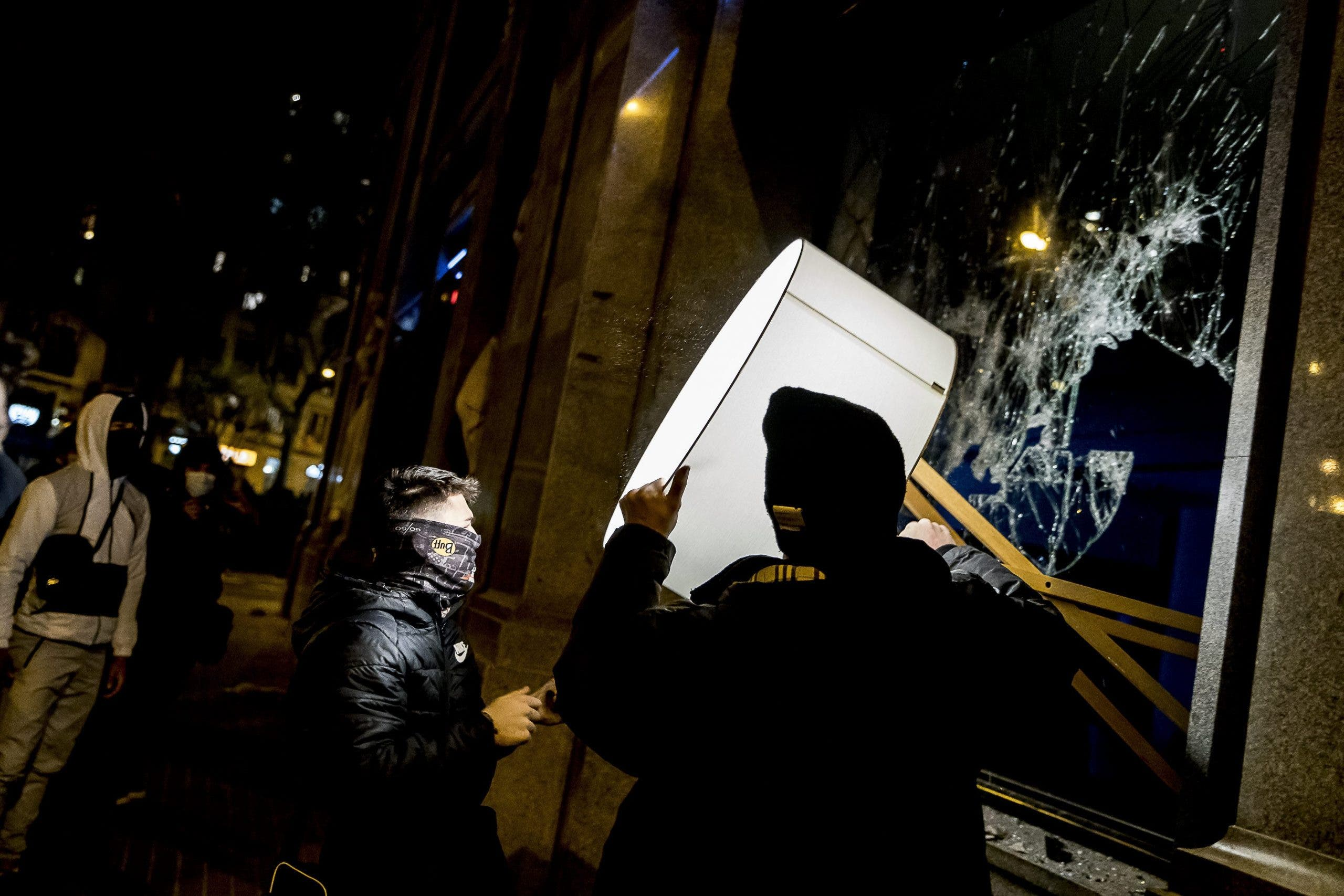 Third Night Of Riots For Pablo Hasel Imprisonment