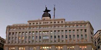 800px Edificio_madrid Par S_ Madrid _08