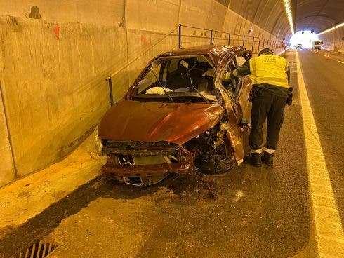 Young British expat dies as his car spins through the air on a Costa Blanca motorway in Spain
