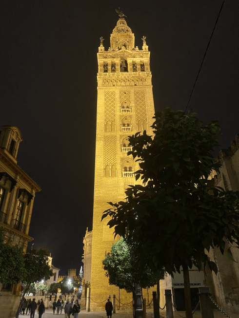 Giralda Tower At Night Min