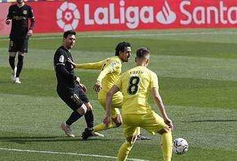 Spanish La Liga Soccer Mach Villarreal Vs Fc Barcelona