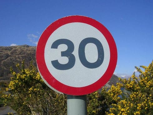 driving speed limit spain 30 photo: Michael Coghlan/flickr