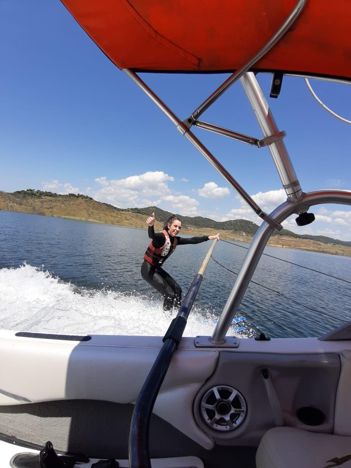 Cristina Hodgson, waterskiing at Xtreme Gene, Cordoba