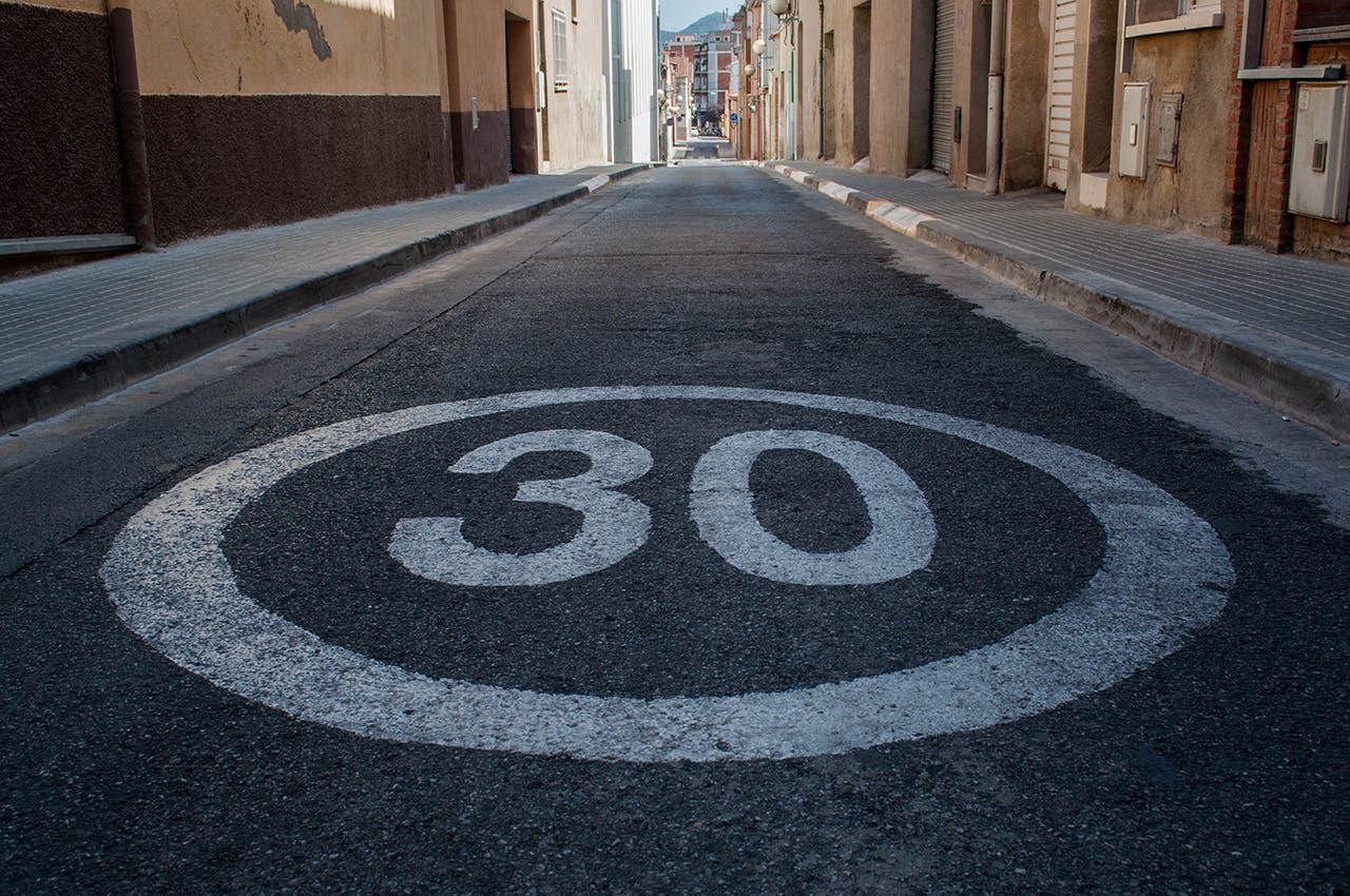Límite de velocidad de corte 30 km / h