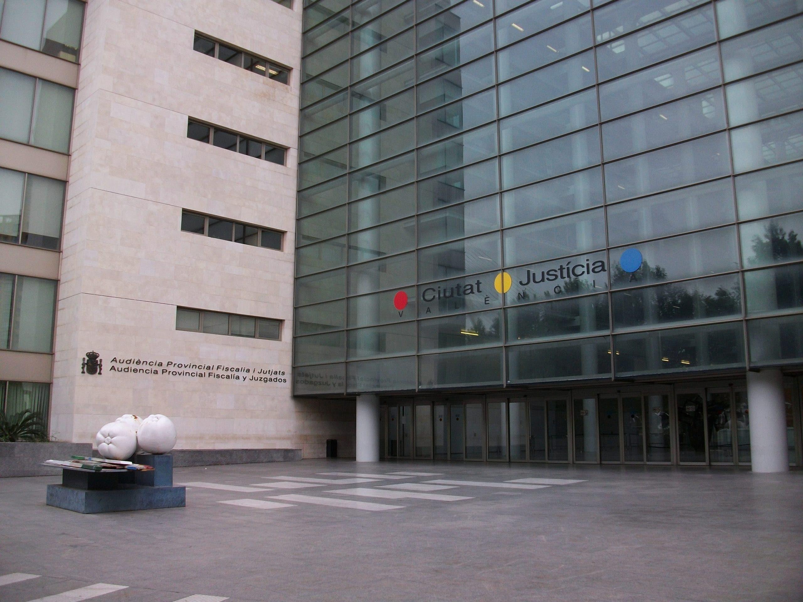 Valencia's Ciutat de la Justicia courts
