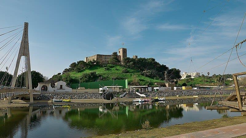 800px Castillo Sohail Fuengirola