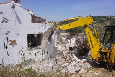 Gurney_demolition1