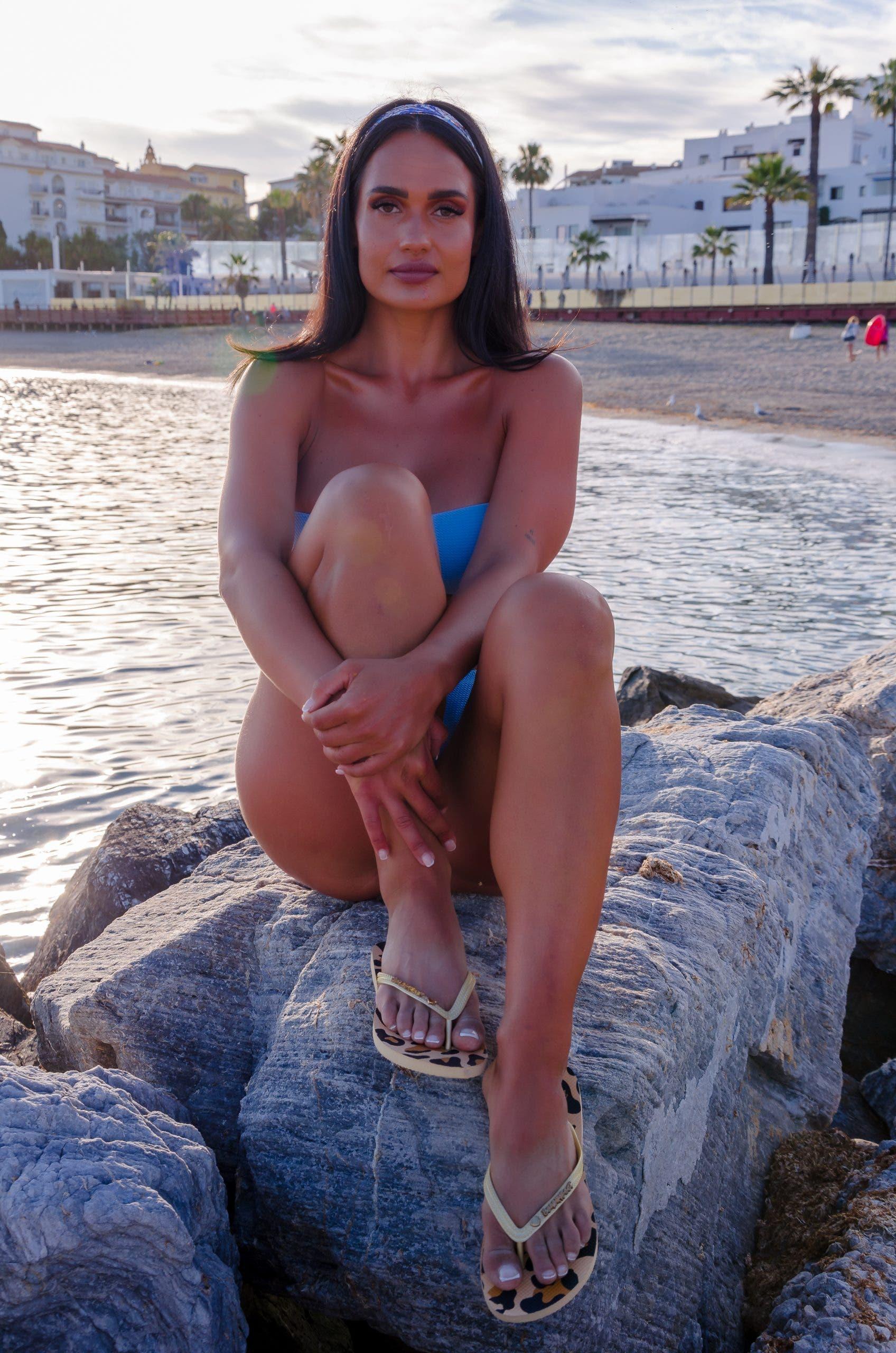 beachwear brand BeachyFeet