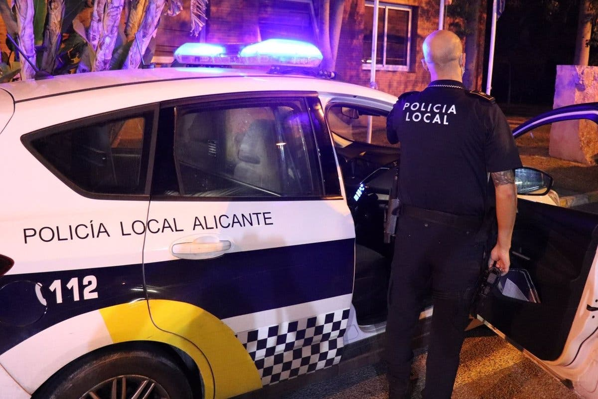 Police to strongly clamp down on illegal outdoor drinks parties in Alicante area of Spain's Costa Blanca