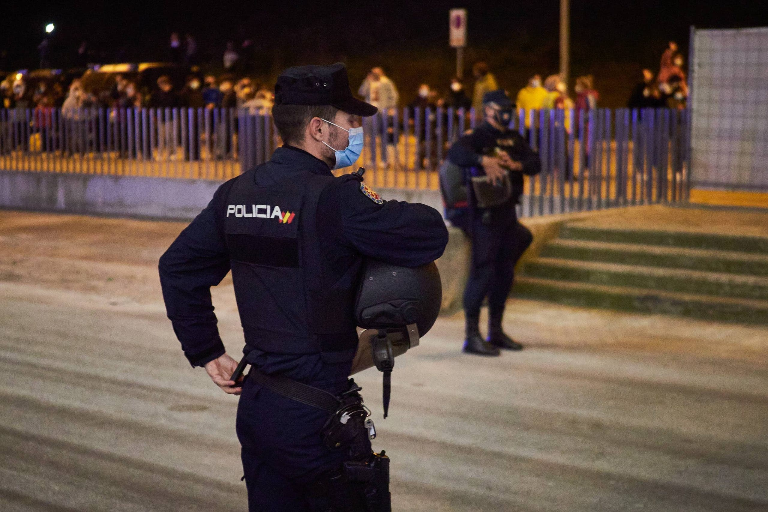 Squatter shot National Police