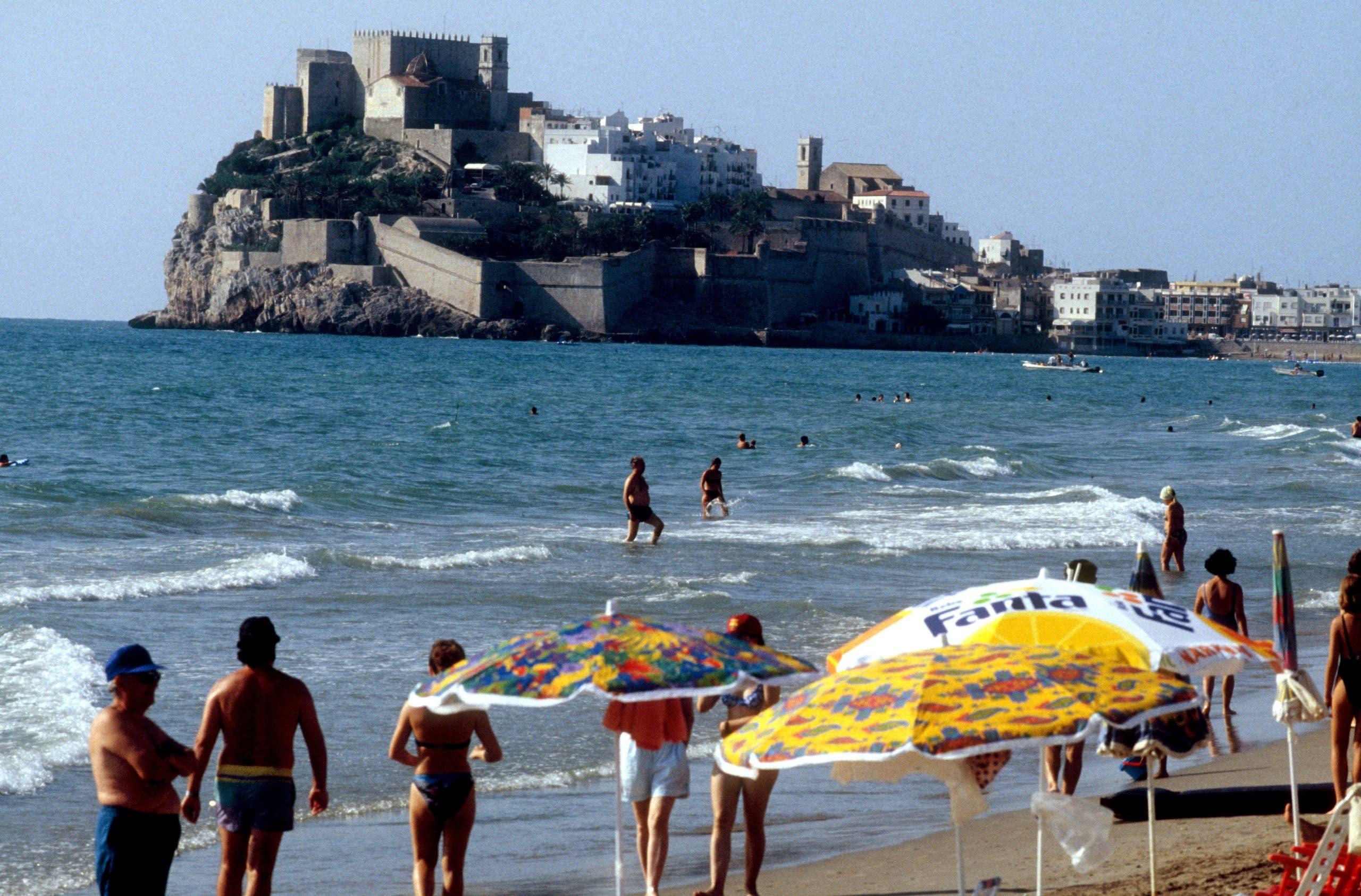 Playa Y Castillo De Peniscola