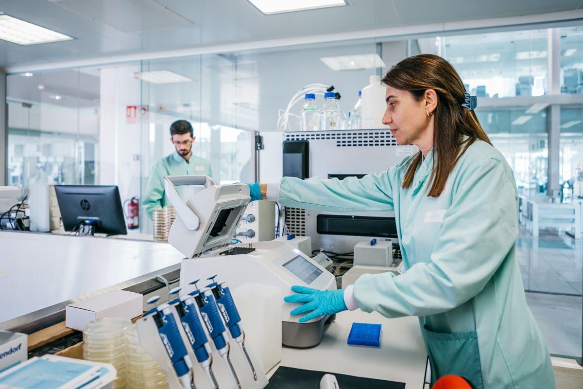 Ainia Laboratory 1