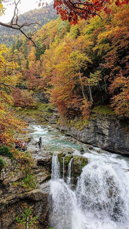 640px Arazas River Fall, Ordesa Y Monte Perdido National Park, Spain