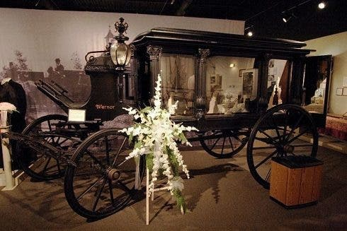 640px Funeral Carriage