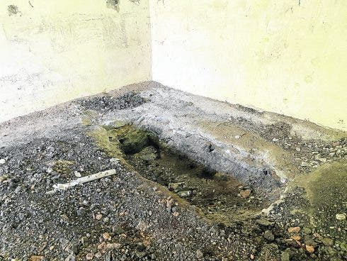 Pic 44 An Apparent Shallow Grave In A Side Annexe