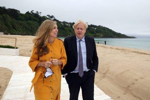 Non Exclusive: Boris & Carrie Johnson In Cornwall